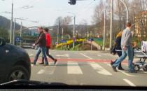Na Czerwonym miedzy pieszymi w Gdyni  NOL...