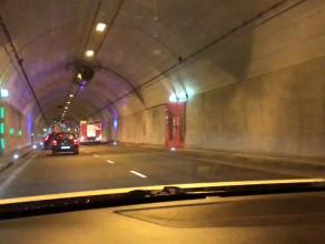 Prawy pas w tunelu zamknięty