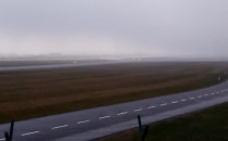 Trochę jest mgła na lotnisku.