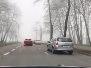 Ograniczona widoczność przez mgłę w Gdyni