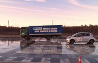 Hamowanie - osobówka kontra ciężarówka