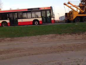 Holowanie zepsutego autobusu