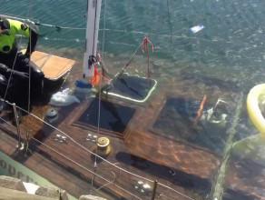 Wydobywanie z wody jachtu Copernicus