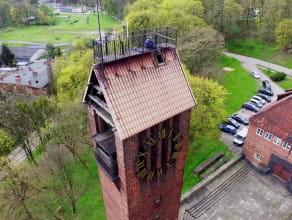 Wymiana cyfr na wieży zegarowej na Biskupiej Górce