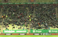 Kibice bawią się na meczu Lechia - Termalica