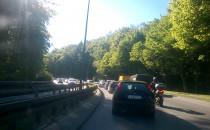 Słowackiego w korku na odcinku leśnym