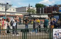Niecodzienny koncert na przystanku tramwajowym w Gdańsku