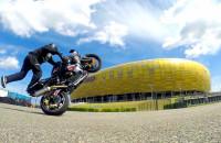Stunt, czyli widowiskowe akrobacje na motocyklu
