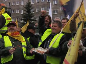 Manifestacja związkowców z Energi