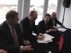 Podpisanie umowy sponsorskiej na stadion w Letnicy.