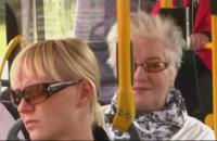 Wesoły kierowca autobusu linii 256