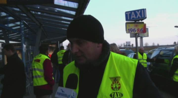 Po raz pierwszy okonflikcie taksówkarzy na lotnisku wGdańsku usłyszeliśmy w2009 roku.