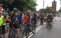 Postój rowerzystów przed Madiesonem