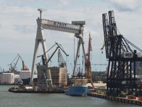 Malowanie suwnicy stoczniowej w Gdyni