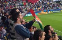 Kibice Portugalii śpiewają hymn