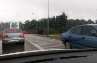 Kierowcy jadą pod prąd by ominąć korek