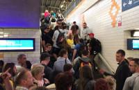 Kompletny chaos informacyjny na dworcu w Sopocie