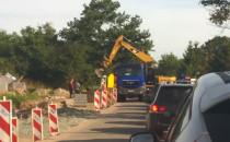 Koparka zablokowała ulicę Niepołomicką