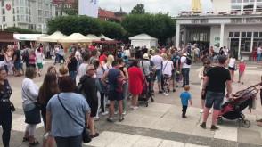 Ogromna kolejka po bilety na molo w Sopocie