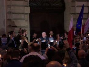 Lech Wałęsa przemawia przed gdańskim sądem