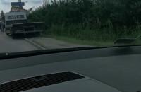 Ciężarówka wypadła z drogi na Elbląskiej