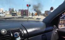Płonące auto na Podwalu