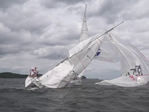 Kolizja dwóch jachtów podczas regat