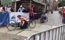 Niepełnosprawni uczestnicy Biegu św...