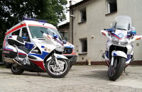Ratownicy medyczni na motocyklach