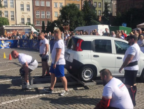Zmagania siłaczy na Targu Węglowym