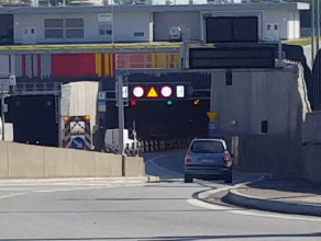 Otwarto jeden pas w tunelu w stronę Stogów