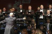 """Uchodźcy i imigranci zagrali w operze """"Fidelio"""" w ECS"""