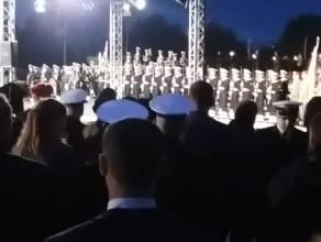 Salwa honorowa na Westerplatte