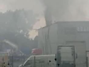 Pali się salon Iveco na Szadółkach