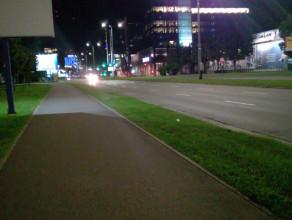 Nocne wyścigi na al. Grunwaldzkiej w Gdańsku