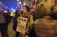 Niedzielny protest przed sądem w Gdańsku