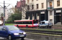 Policja przy autobusie 108. Wały Piastowskie w Gdańśku