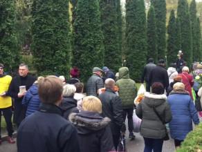Michalczewski kwestuje na Cmentarzu Łostowickim