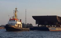 Olbrzymia konstrukcja statku na Wiśle