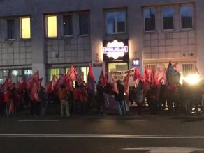"""Pikieta w obronie """"Pekinu"""" w Gdyni"""