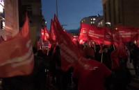 """Pikieta pod Komendą Miejską Policji w Gdyni w obronie mieszkańców """"Pekinu"""""""