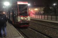 Skutki zderzenia dwóch tramwajów na Hucisku
