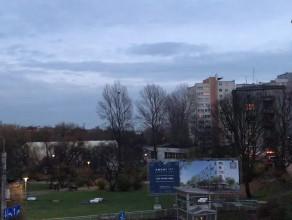 Włączenie latarni ulicznych na Świętojańskiej w Gdyni