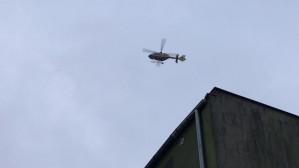 Śmigłowiec Lotniczego Pogotowia Ratunkowego szuka miejsca do lądowania