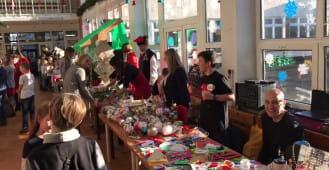 Kiermasz świąteczny w Szkole Podstawowej nr 21 w Gdyni