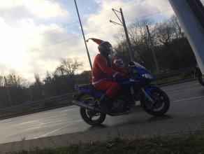 Mikołaje na motocyklach jadą przez Gdańsk