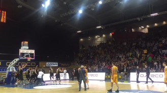 Radość koszykarzy Trefla po zwycięskich derbach