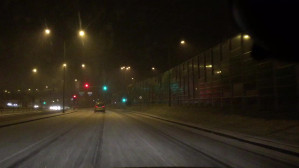 Śnieg zaskoczył w Gdyni ul. Chwarznieńskiej