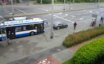 Kierowca zablokował przystanek autobusowy....
