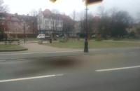 Fotomontaż: Satelita telekomunikacyjny spadł na Podwale Staromiejskie
